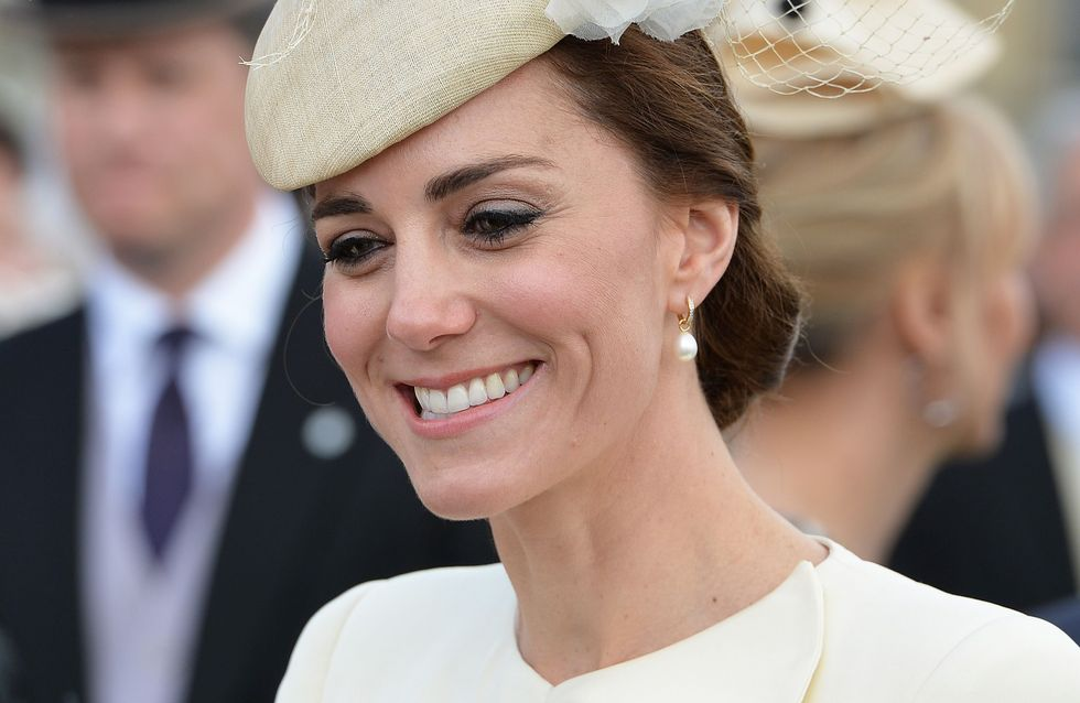 Kate Middleton recycle la robe du baptême de George pour une garden party (Photos)