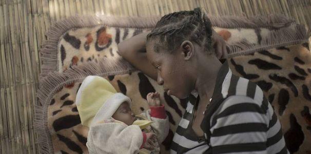 Mulenga, 14 ans, et sa fille - Zambie