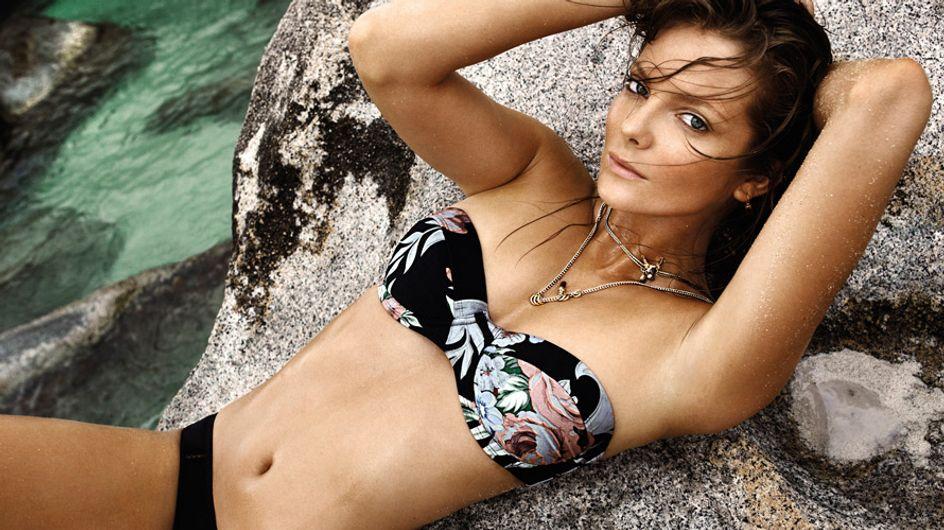 Bikinis de flores, ¡tropical en el agua!