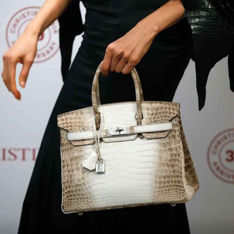 6f3d1ff485 Combien coûte le sac à main le plus cher au monde ?