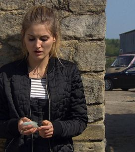 Emmerdale 22/6 - Holly's panicked to lose the stash of Simon's drugs