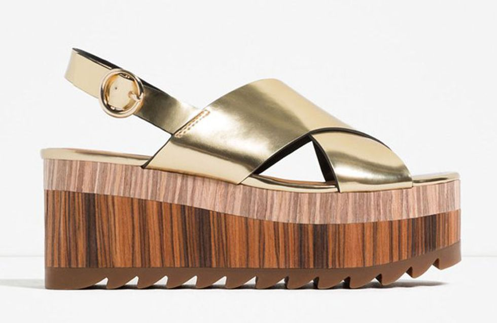 Las sandalias doradas de Zara que provocan quemaduras en los pies