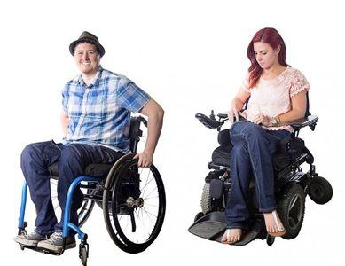 Paraplégique, elle imagine des jeans stylés pour les personnes en fauteuil roulant