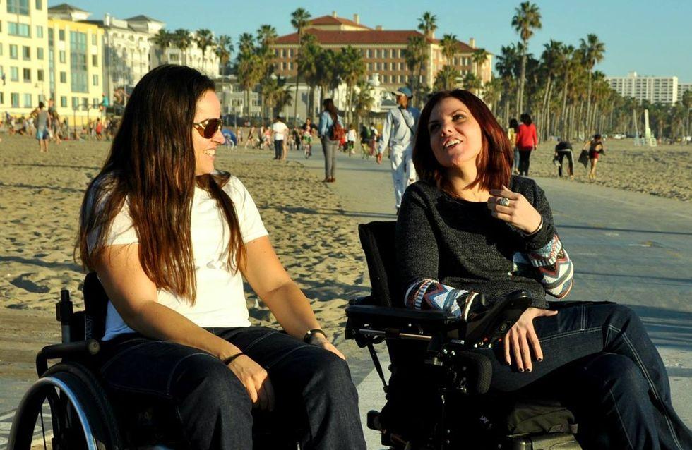 Paraplégique, elle imagine des jeans stylés pour les personnes en fauteuil roulant (Photos)