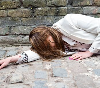 Coronation Street 01/7 - Tracy steals the show