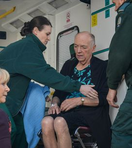Eastenders 30/6 - Les is taken to hospital