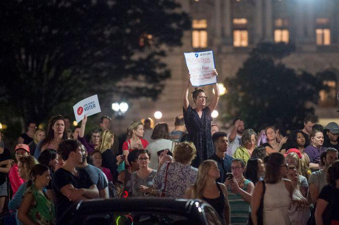 Des Américains venus soutenir le mouvement #NoBillNoBreak
