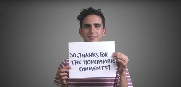 Une vidéo qui dit merci aux commentaires homophobes