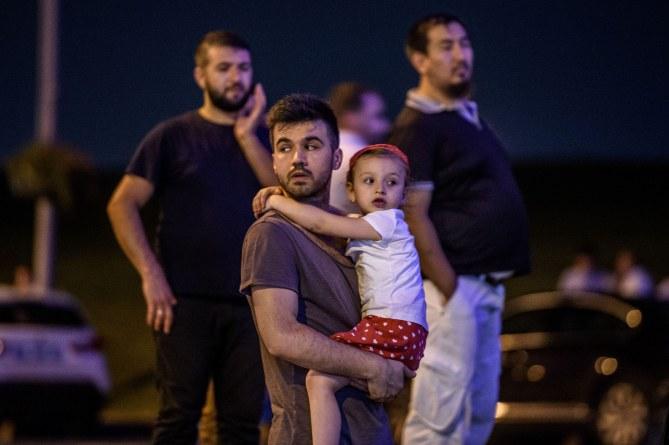 Des survivants de l'attentat d'Atatürk