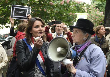 Eva Sas lors d'un rassemblement contre le harcèlement