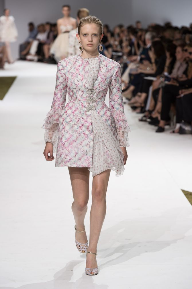 Le défilé Giambattista Valli AH 16-17 Haute Couture