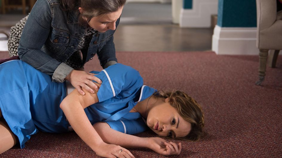 Hollyoaks 18/7 - Esther and Frankie arrive to find Kim collapsed on the floor