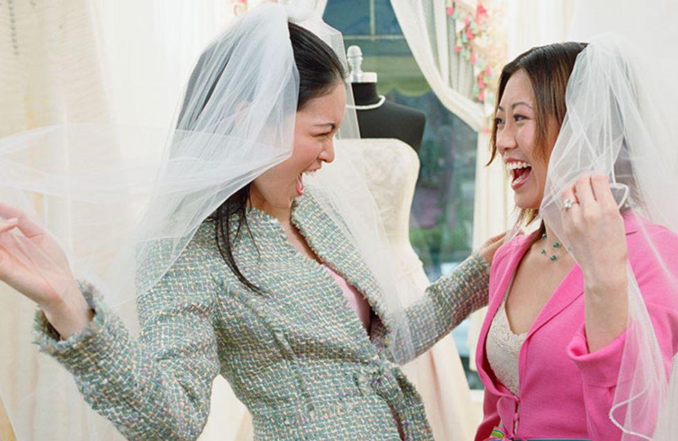 Vai comprar o vestido de noiva? Não deixe de levar estas 6 coisas
