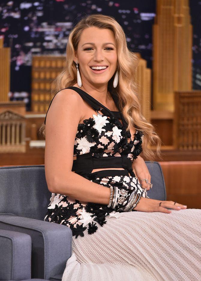 Blake Lively surprend avec un look de grossesse ultra-sexy