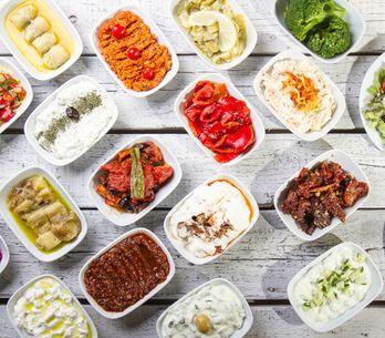 Los mezzes, las tapas mediterráneas con las que querrás empezar tus comidas