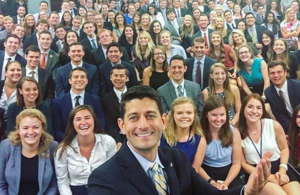 Ce selfie des stagiaires du Capitole fait parler de lui pour toutes les mauvaises raisons (photos)