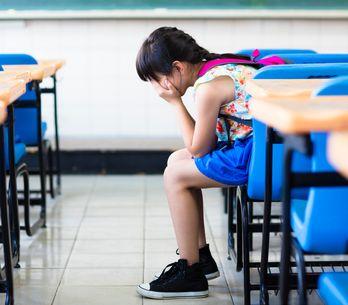 Comment savoir si mon enfant est victime de harcèlement scolaire et comment réag
