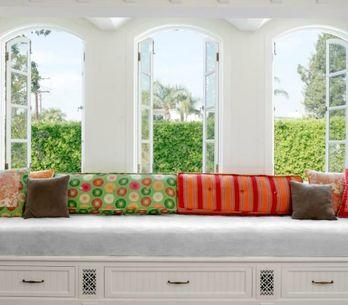 Asientos en las ventanas: 20 ideas para aprovechar este práctico espacio