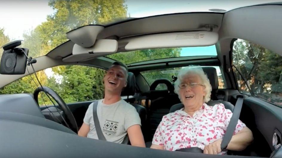 """Pour l'anniversaire de sa grand-mère, il décide de lui offrir une """"breaking news"""" (Vidéos)"""