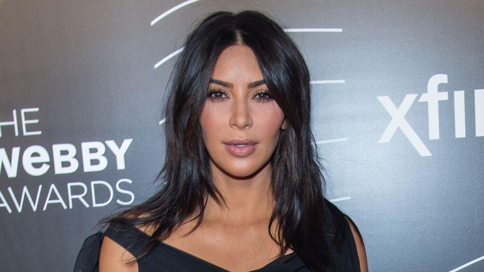 Kim Kardashian remet un classique de la coiffure au goût du jour (photos)