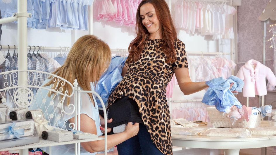 Hollyoaks 09/8 - Mercedes and Myra rob a baby clothes store