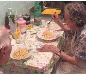 Quattro poliziotti, una coppia anziana e un piatto di spaghetti: la storia che s