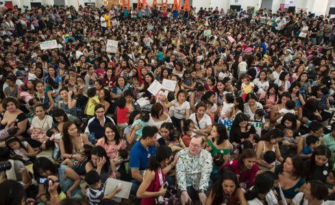 Des milliers de femmes réunies pour défendre l'allaitement