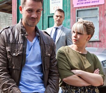 Hollyoaks 17/8 - Darren and Nancy are up to something outside the garage