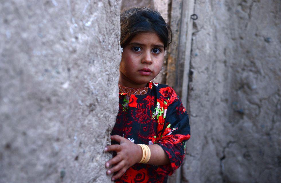 [Vídeo] Casan a una niña afgana de 6 años con un hombre de 55 a cambio de una cabra