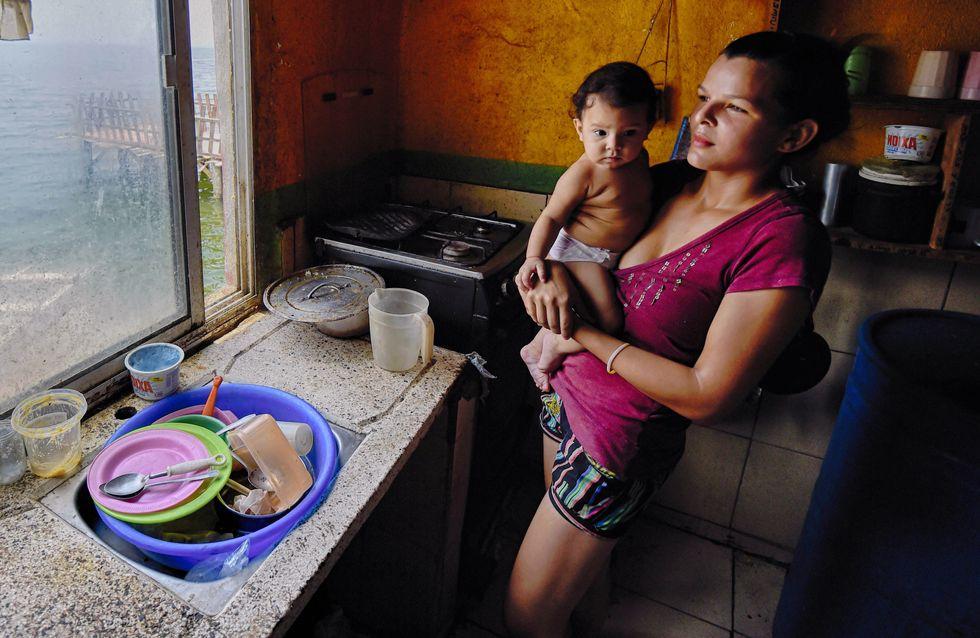 Face à la crise, les Vénézuéliennes optent pour la stérilisation