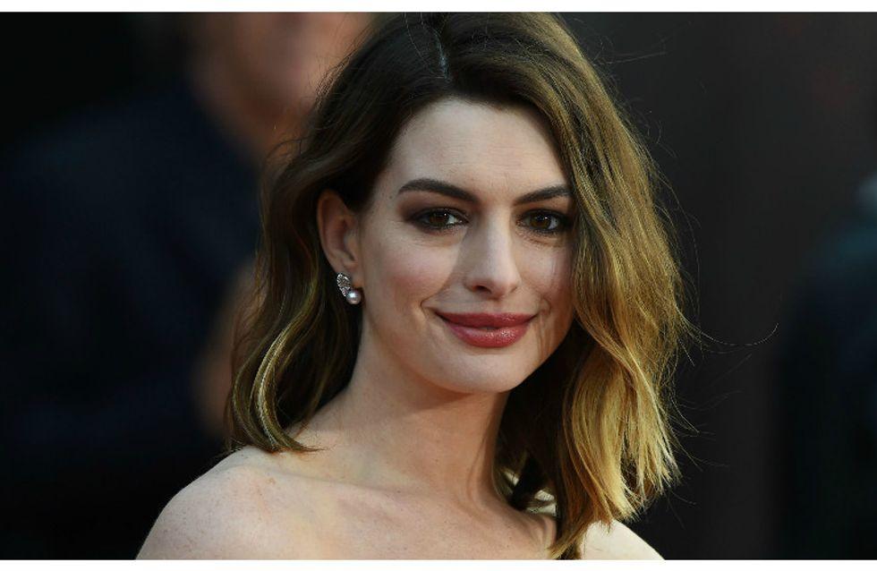 La neo mamma Anne Hathaway ha qualcosa di molto importante da dire a tutte le donne