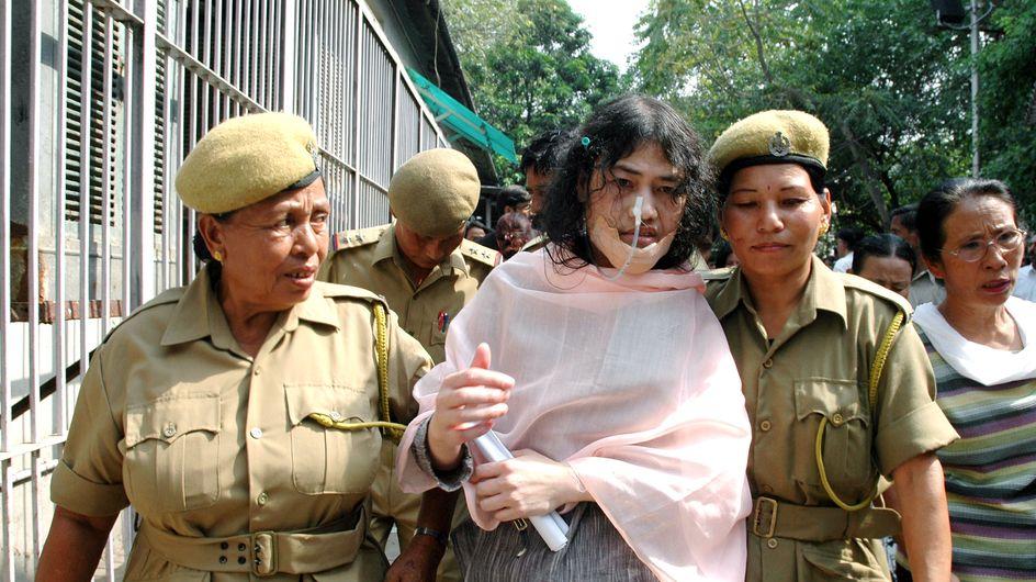 Une Indienne militante pour les droits de l'Homme met fin à 16 ans de grève de la faim