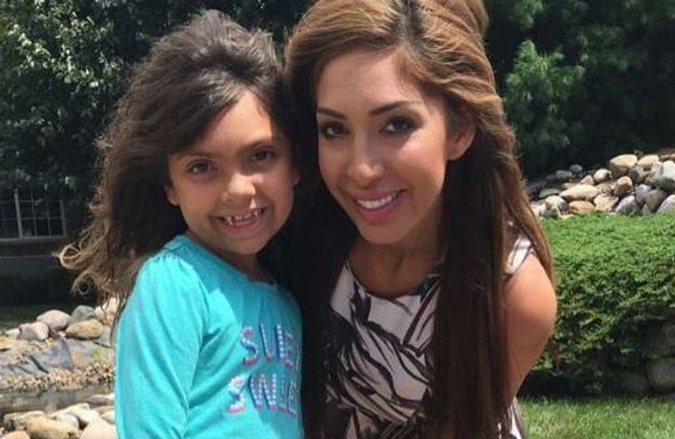 Elle laisse sa fille de 7 ans porter du maquillage pour l'école et crée le débat (Photo)
