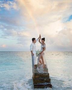 Elle ose la robe transparente le jour de son mariage