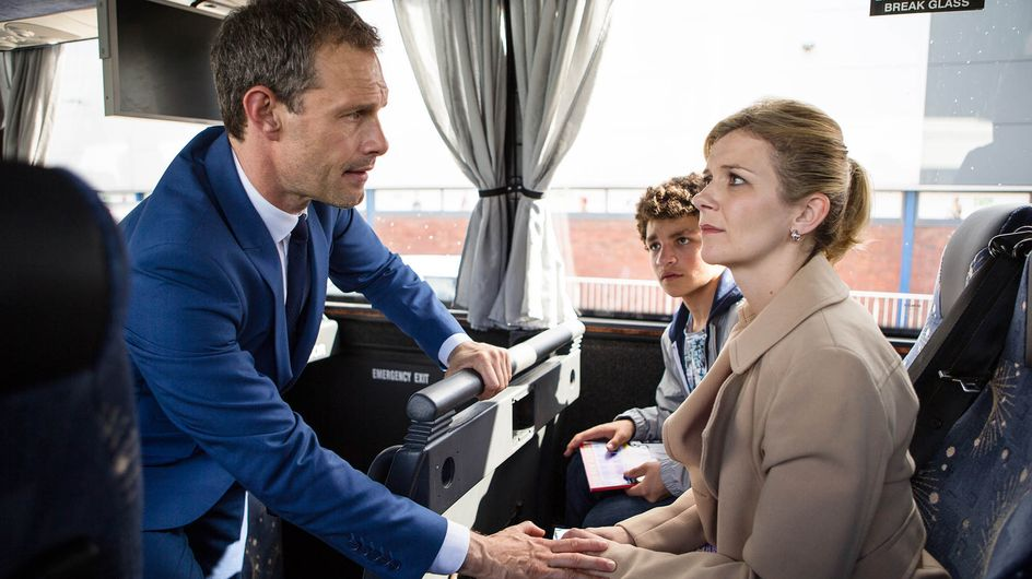 Coronation Street 22/8 - Leanne Says Goodbye To Weatherfield