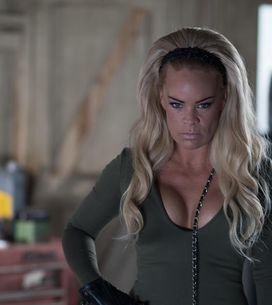 Hollyoaks 23/8 - Grace Waits For Sienna At The Garage