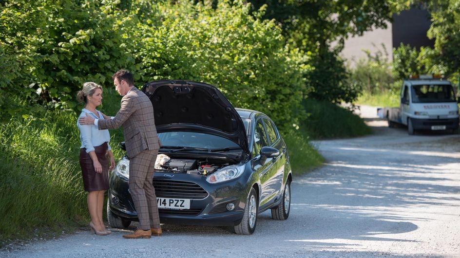 Hollyoaks 25/8 - James And Joanne Fake A Car Breakdown