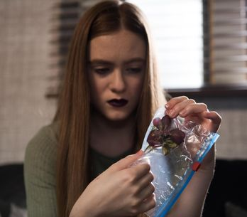 Hollyoaks 26/8 - Nico gives Peri some aftershave for Tom, with a sinister scent...