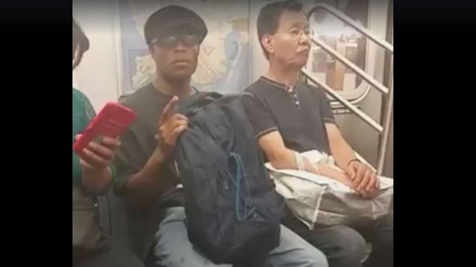 Elle donne une bonne leçon à celui qui la harcèle dans le métro (Vidéo)