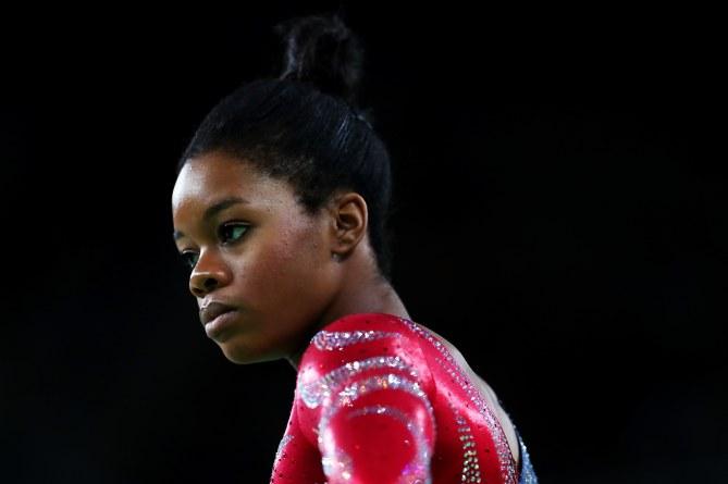 Gabby Douglas : Pourquoi les internautes se focalisent-ils sur ses cheveux au lieu de remarquer son talent ?