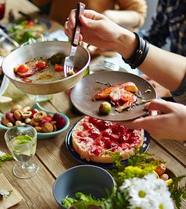 ¡Únete a la cenología! Consejos prácticos para organizar una cena en familia
