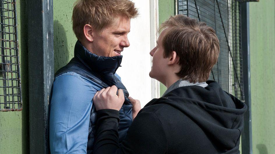Emmerdale 01/9 - The Police Interrogate Lachlan
