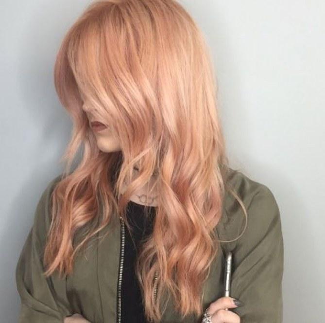 Roségoldene Haare