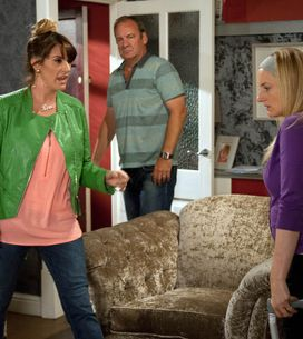 Emmerdale 06/9 - A Bereft Moira Kisses James