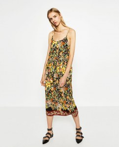 La robe fleurie jaune Zara, 49.95 euros