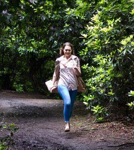 Hollyoaks 09/9 - Sienna Flees A Fundraiser When The Police Arrive