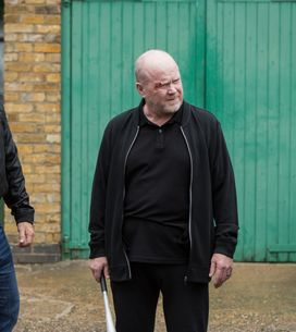 Eastenders 05/9 - The Mitchells Find Themselves In A Dangerous Situation