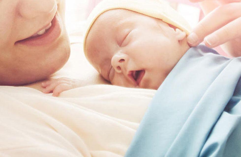 [Vídeo] ¡Muy tierno! Este bebé recién nacido se niega a separarse de su madre