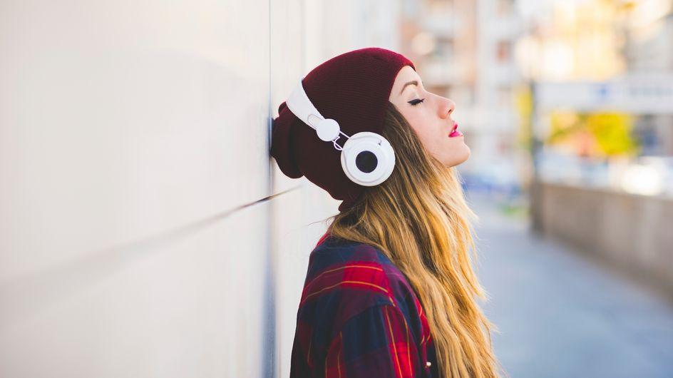 """Eine Frau mit Kopfhörern ansprechen: Die Tipps dieses """"Dating-Experten"""" sorgen für Diskussion"""