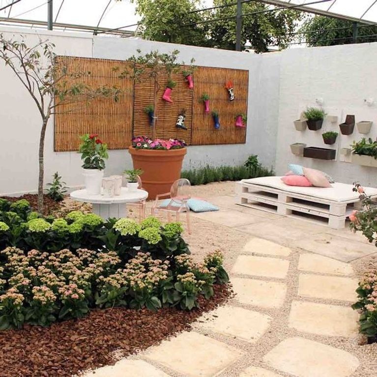 Decoracion patios traseros 13 ideas para darle vida a tu for Decoracion de patios con piscina